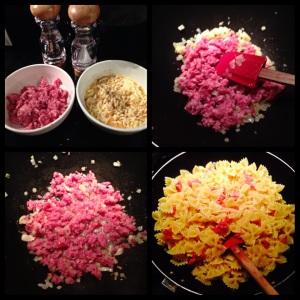 Enquanto a agua do macarrão ferve, vamos colocar a linguica blumenau em pedacinhos na frigideira. Misturar os ovos mexidos com o queijo parmesao.